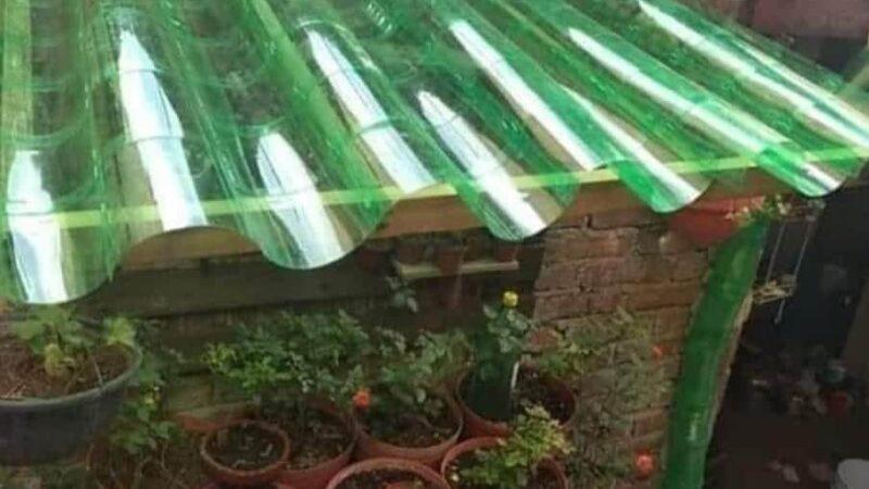 Como fazer telhado de garrafa pet