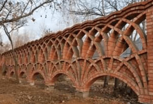 Muros feitos com tijolinho