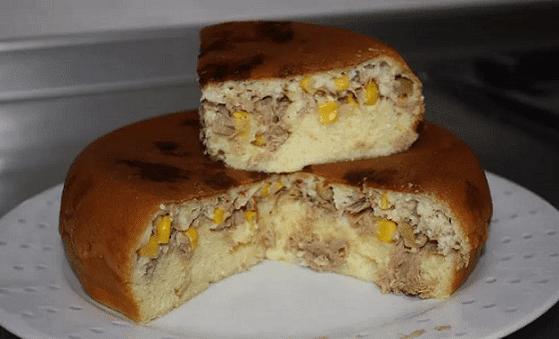 Torta salgada na panela de arroz