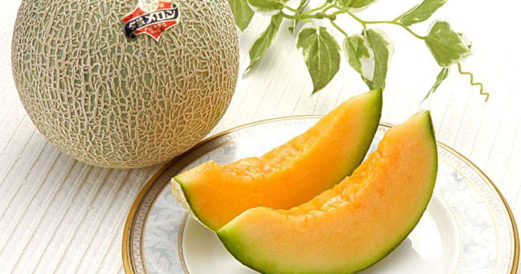 Conheça a fruta mais cara do mundo e quanto custa